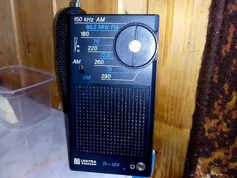 Przenośne radio R-124