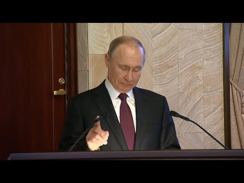 «Испугались»: Путин пошутил о технических неполадках во время заседания коллегии ФСБ