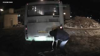 баргузин 4х4 вытащил автобус(Описание., 2016-12-12T17:36:58.000Z)