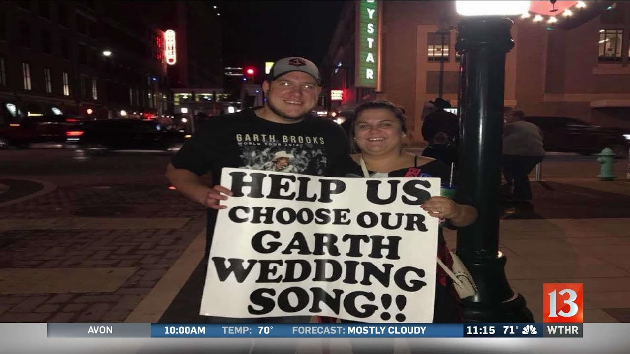 garth brooks helps local couple choose wedding song youtube