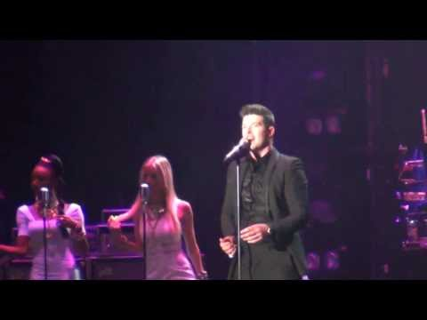 Robin Thicke - Take It Easy On Me - MTV WORLD STAGE MALAYSIA 2013