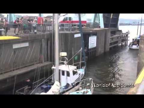 Horrible boat crashes #1