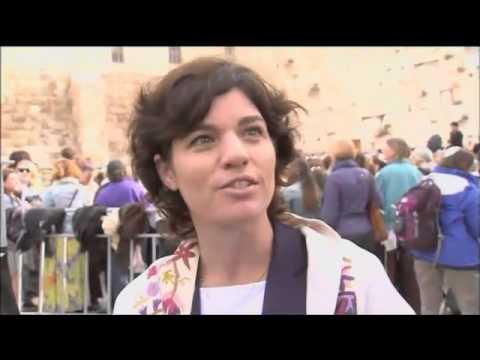 Israel  Police Arrest Five Women at Wailing Wall