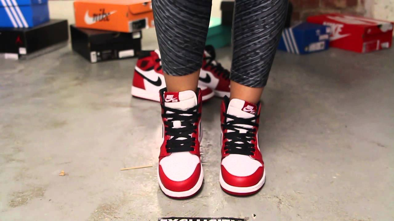Air Jordan 1 Chicago On Feet