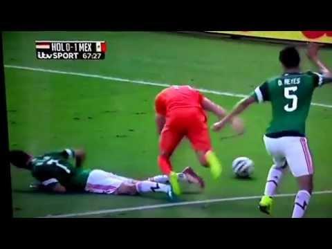 Robben 'hop & flop' v Mexico