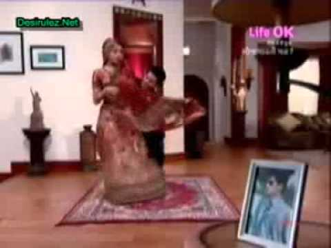 Viraj jiye toh jiye kaise song sequence in Saubhagyavati Bhava