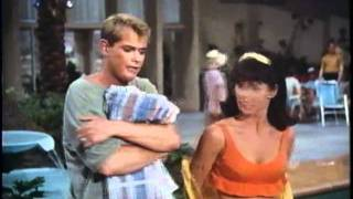 Live Young - Troy Donahue / Palm Springs weekend(恋のパームスプリングス)