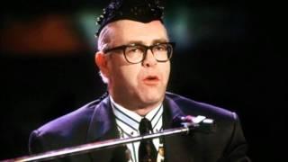 Скачать 8 A Word In Spanish Elton John Live In Berlin 1989