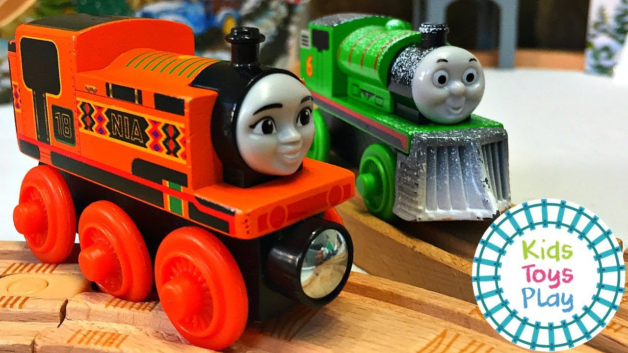 Thomas and Friends WINTER TRACK BUILD! Fun Toy Thomas Wooden Railway for Kids