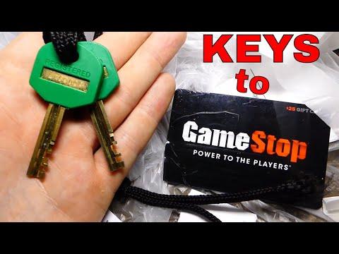 THE KEYS TO GAMESTOP!!! Dumpster Diving Gamestop Night #530