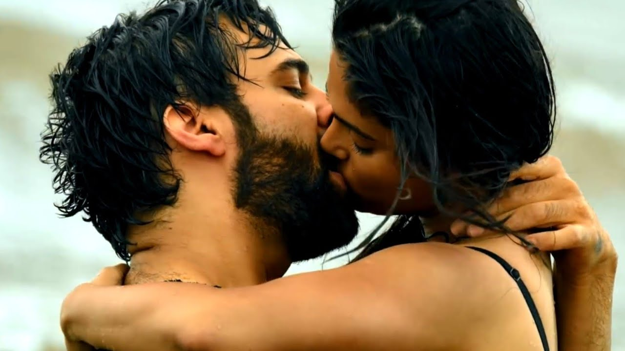 Kiss status 💋 sexy status 😘 Hot status 🔥 Romantic status 😍 romance video 💖 Love status Wajah tum ho