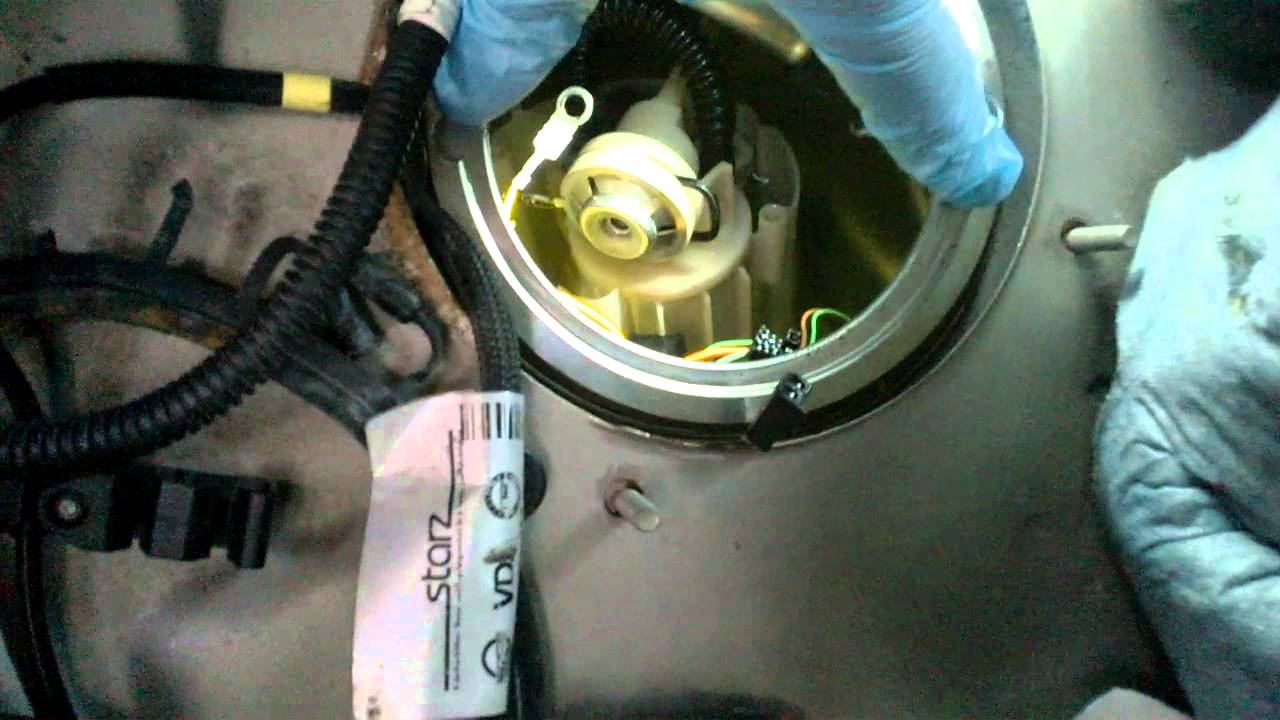 a look at the fuel pump inside the gas tank volvo s60 with metal gas tank  2001+ - youtube