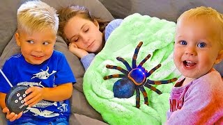 GIANT SPIDER SLEEPING PRANK!