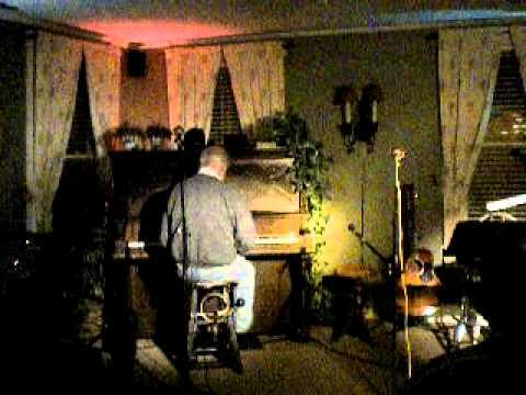 Ron the Banjo Man plays Piano