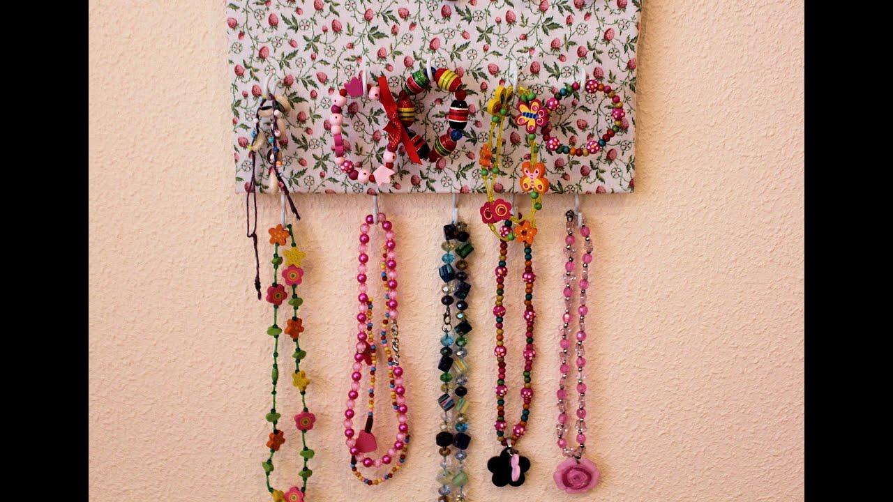 Diy organizador de collares pulseras y anillos youtube - Como colgar collares ...