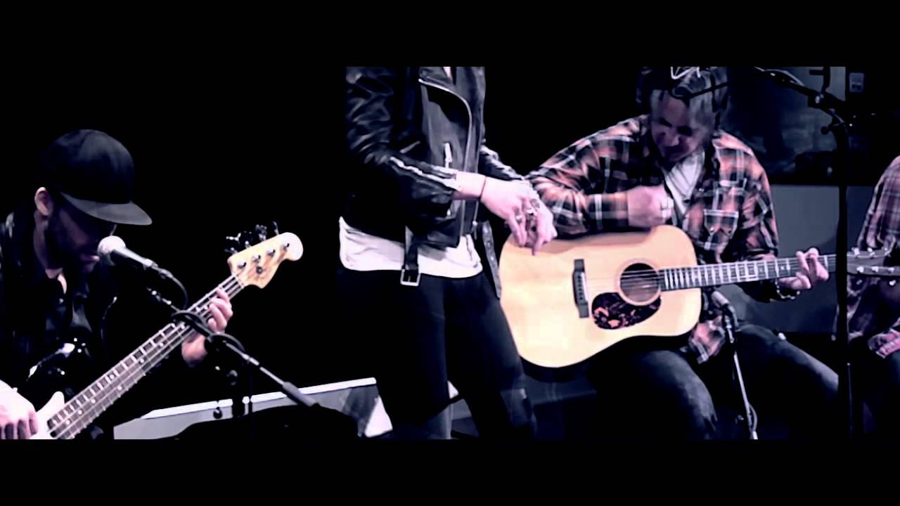 "Halestorm ""Apocalyptic"" (Live & Acoustic)"