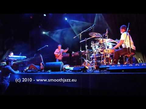 Lee Ritenour - Night Rhythms (Metropool Hengelo, Nov 2, 2010)