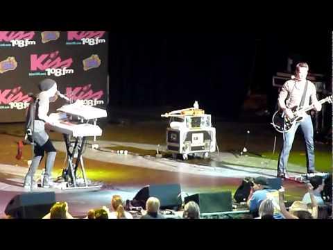 kiss 108 concert