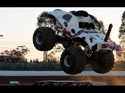 Monster Truck Dog >> Monster Truck Madness 6th Sept 2014 Spot The Dog Maryborough Speedway