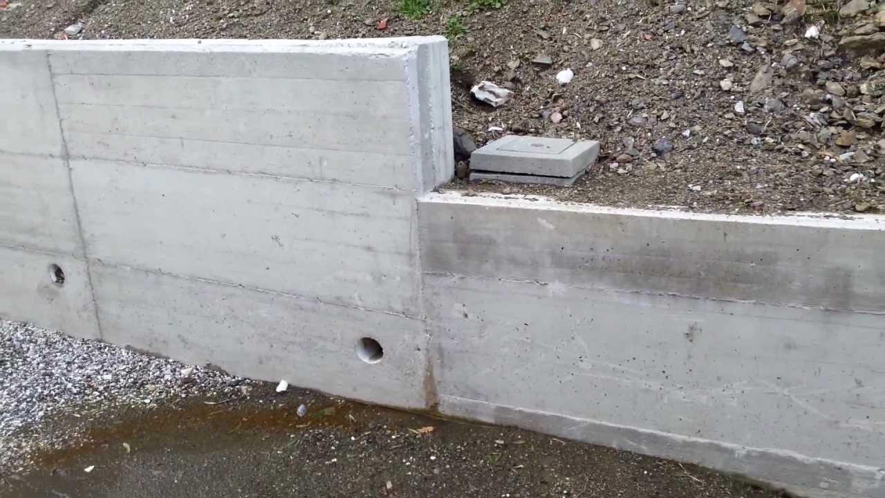 Strano drenaggio muro di contenimento youtube for Disegni di blocchi di cemento casa