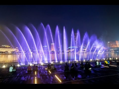 wonder full light and water show at marina bay sands singapore