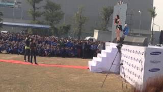 Hồ Ngọc Hà song ca Tìm Lại Giấc Mơ với 1 bạn Samsung Festival 2013