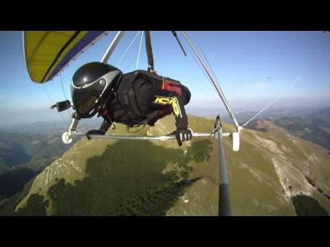 Deltaplano Monte Cucco Sud - 20 Agosto 2010 .mp4