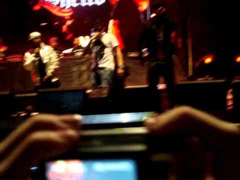 De la Ghetto ft Guelo star, chino nino - Siempre ando armao (LIVE MUSIC TOUR).MPG