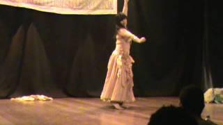 maiah suad 1º lugar solo profissional festival de danas orientais de nova iguau