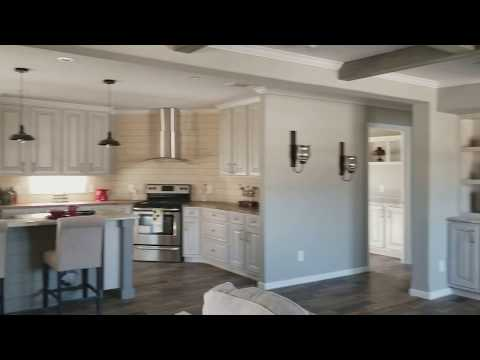 """2018 """"The Grand Isle"""" 32x76, 4bed, 2.5baths. Gorgeous home!!! Payment avg $1,075/mo"""