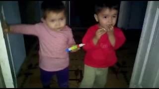 Смотри как я танцую