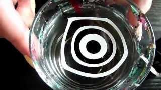 Водный черно-белый маникюр