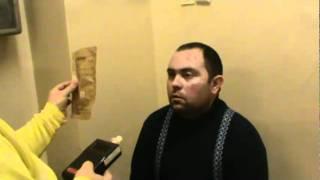 пьяный водитель пытается обмануть врача(в больничке синий водила дышит