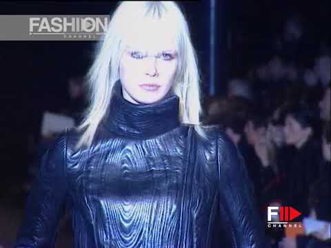 ENNIO CAPASA - CoSTUME NATIONAL Fall 2003 2004 Paris - Fashion Channel