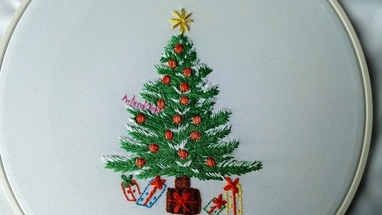 Hand Embroidery: Christmas Tree
