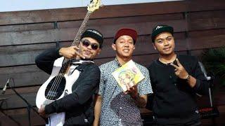 Video KARNAMEREKA Live performance in Buntu Banyumas - Kompilasi ( HD audio ) download MP3, 3GP, MP4, WEBM, AVI, FLV Maret 2018