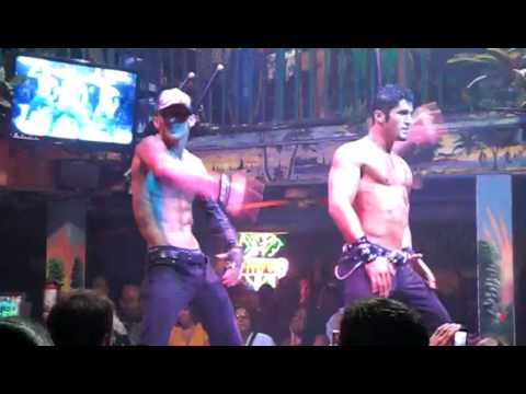 How Guys Should Ball In Clubs