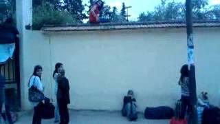 Repeat youtube video دخول الطالبات عبر أسوار الحي الجامعي