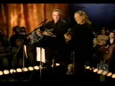 Johnny Cash & Willie Nelson - Ring of Fire (live)