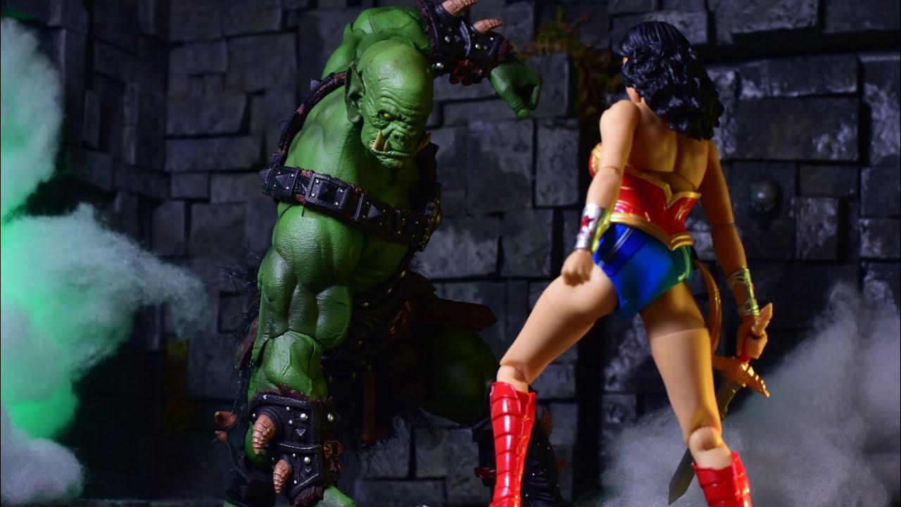 DC Comics One:12 Collectif Wonder Woman by Mezco PRE-COMMANDE