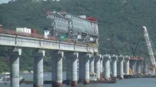 As obras da Nova Ponte de Laguna: impressiona a magnitude dos avanços tecnologicos