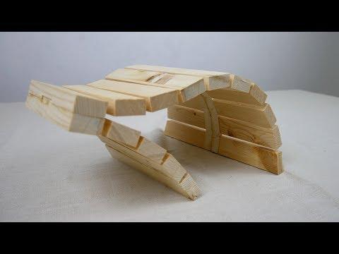 Pallet wood sculpture