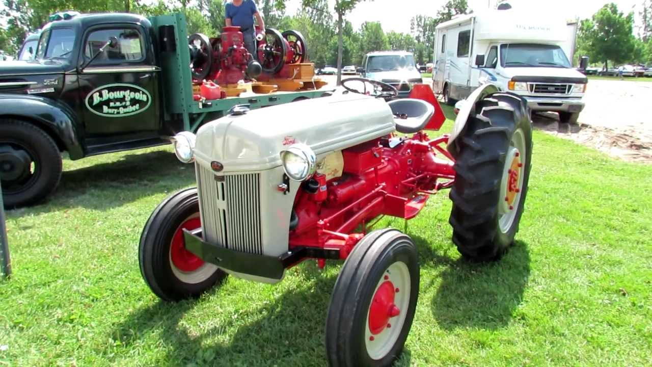 9n Ford Tractor >> 1947 Ford 9n Tractor 2012 Granby International Voitures Anciannes Du Granby Quebec Canada