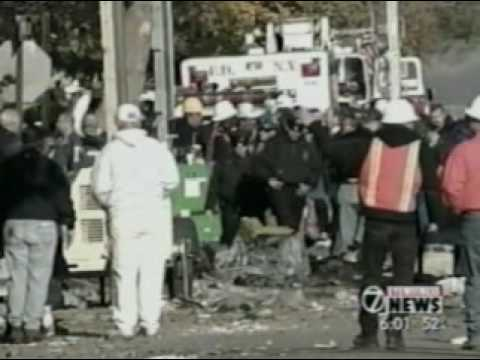 Crash of American Airlines FLT. 587 Nov. 12, 2001 Queens, NY WKBW-TV John Kosich reporting