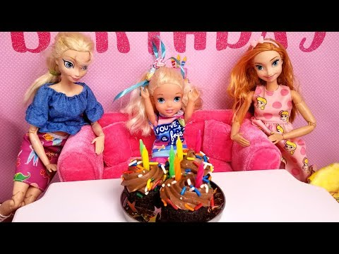 Elsa's BIRTHDAY - Special guests ! Elsa & Anna toddlers - party - pinata - Barbie - cake - gifts