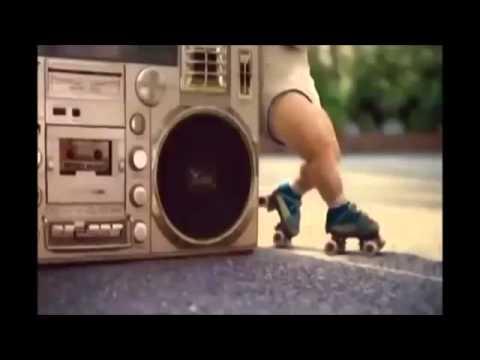 Bebes bailando regeton