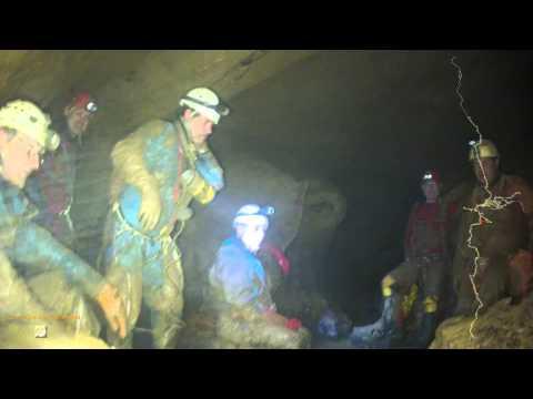 Spéléo lot - La rivière de commande - Aval de la grotte d'Elise - Gramat 46