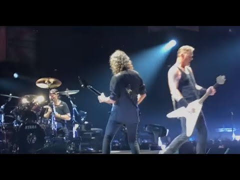 "Metallica perform ""Spit Out The Bone"" live for the first time in London Oct 24 2017"