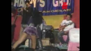 Download Video Video Dangdut Saweran Edan Peyanyinya Hampir Bugil MP3 3GP MP4