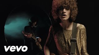 Temples - Keep In The Dark(Director: Abbie Stephens http://www.abbiestephens.co.uk/ Producer: Creature of London Keep In The Dark b/w Jewel of Mine Eye released October 7th 2013 on ..., 2013-08-21T14:00:30.000Z)